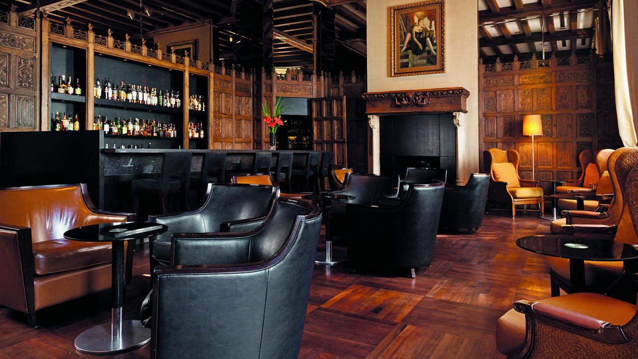 Oak Bar En El Palacio Duhau